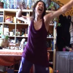 Danse de libération spontanée, intuitive, guérisseuse, chamanique :)